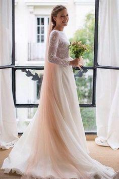 ¿Quieres marcar la diferencia en tu boda? Ficha a las novias con velos de colores que te proponemos e inspírate para crear tu look. ¡Te encantarán!