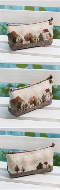 Love the colours and little scene designs on bags Japanese Patchwork, Japanese Quilts, Patchwork Bags, Quilted Gifts, Quilted Bag, House Quilts, Fabric Houses, Sacs Tote Bags, Sewing Appliques