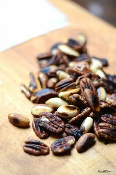 Roasted pecan and Brazilian nuts