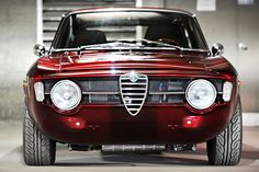 Alfa Romeo GT 1300. Photography by Lucas Scarfone