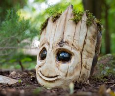 Carving a Baby Groot From Wood Carve a Baby Groot planter from a tree stump Wood Carving Faces, Tree Carving, Wood Carving Art, Wood Carvings, Baby Groot, Wood Stumps, Tree Stumps, Wood Tree, Wood Projects