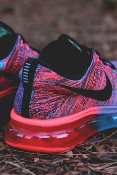 NIKE Flyknit Air Max  shopping now on the website www.diybrands.co can get 10% discount with the original package and fast delivery provides the high quality replicas such as the LV ,Gucci ,Dior ,Nike,MK ,DG ,Burberry and so on