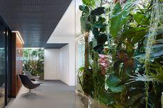Phoenix Real Estate, Frankfurt. Ein Projekt von Ippolito Fleitz Group – Identity Architects, Decken.