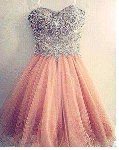 Vestido para debutante 15 anos rosa claro com pedras                                                                                                                                                      Más