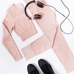 Winter seamless essentials .x ⠀  ⠀  www.m-active.com.au⠀  ⠀  #mACTIVE #beboldbeyou #activewear #athleisure #styleblog #styleinspo #fashion #healthy #fit #fitness #active #lifestyle #ootd #womenswear #instagood #fashionaddict #onlineshopping #fashionlover #melbournefashion #stylegram #strong #flatlay #fitspo #fitspiration #instafit #workout #new #collection