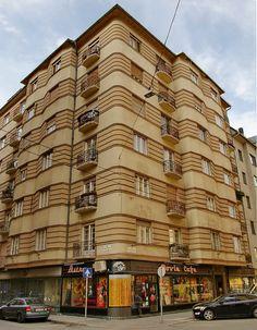 #ArtDeco | Building in Budapest, designed by Béla Barát and Ede Novák, 1929