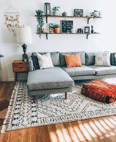 Salon tres simple contre un mur