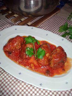 """Buonissime polpette alla siciliana con tanto sugo per fare la """"scarpetta"""" con tanto pane.... potete gustarle anche senza il sugo di condimento (soltanto fr"""