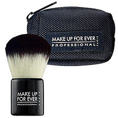 What it is:HD Kabuki Brush is a soft-to-the-touch yet sufficiently firm nylon brush designed to easily sweep powder on the face.What it does:This Sephora-exclusive brush was designed especially for HD Microfinish Powder, or other loose powder applica