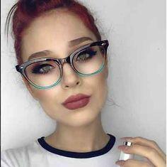 Let me even your eyewear model for women in Glasses trend pronounced frames. Fake Glasses, Glasses Shop, Cat Eye Glasses, Girls With Glasses, Glasses Frames, Girl Glasses, Eyeglasses For Women, Sunglasses Women, Fashion Eye Glasses