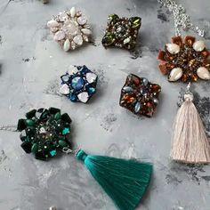Автор @anni_igoshina 〰〰〰〰〰〰〰〰〰〰〰〰〰〰 По всем вопросам обращайтесь к авторам изделий!!! #ручнаяработа #брошьизбисера #брошьручнойработы #вышивкабисером #мастер #бисер #handmade_prostor #handmadejewelry #brooch #beads #crystal #embroidery #swarovskicrystals #swarovski #купитьброшь #украшенияручнойработы #handmade #handemroidery #брошь #кольеручнойработы #кольеизбисера #браслеты #браслетручнойработы #сутажныеукрашения #сутаж #шибори #полимернаяглина #украшенияизполимернойглины