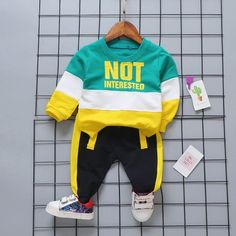 2 Pcs Boys Letter Print Color Blocking Tops And Pants Set Weight: Material: Cotton+Spandex Baby Boy Clothing Sets, Boys And Girls Clothes, Cute Baby Clothes, Kids Clothing, Newborn Outfits, Toddler Outfits, Baby Boy Outfits, Kids Outfits, Costume Garçon