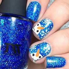 Snowman nails ☃️ Inspired by @ruthnailart Tutorial later Products used: @masura.ru '1803' @winstonia_store kolinsky brush 000, Have a merry Xmas plate use my code TEENS for 10% off @purjoinailstudio clear jelly stamper use my code nailsbyteens10off for 10% off @minimanimoonails mess no more Acrylic paint