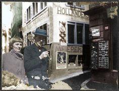 """Emmy Hennings y Hugo Ball delante de """"la  Lechería"""", la Taberna holandesa, Spiegelgasse un par de días antes de la inauguración de la Taberna de Artistas Voltaire. En la pared cartel de Marcel Slodki, Zúrich, febrero de  1916"""