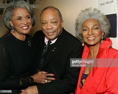 Singer Nancy Wilson, Quincy Jones and actress Nichelle Nichols backstage at The Thelonious Monk Institute of Jazz and The Recording Academy Los Angeles chapter honoring Herbie Hancock all star. American Singers, American Art, Lee Harris, Nichelle Nichols, Nancy Wilson, Herbie Hancock, Thelonious Monk, Quincy Jones, Soul Singers