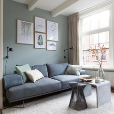 Small Living Room Ideas for Apartment. If you are dealing with a small living room, that does not mean you can not have a stylish and functional room. Small Living Rooms, Living Room Grey, Living Room Sets, Living Room Interior, Home Living Room, Living Room Designs, Living Room Decor, Living Room Inspiration, Home Decor Inspiration