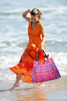 What a great outfit to wear in Cabo! So colorful and #fun!