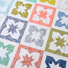 Inspired by the logo of a local Moroccan restaurant, I'm thrilled to finally share my Geode quilt pattern with you all! What's awesome about this pattern is that each block can use one fat quarter fo Star Quilts, Quilt Blocks, Beach Quilt, Quilt Sizes, Quilting Projects, Quilting Ideas, Sewing Projects, Quilt Making, Baby Quilts