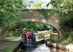 Cruising by narrowboat - my next home...