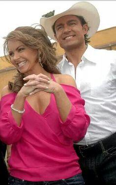 Lucero. Valantina y Jose ) Soy tu dueña.