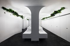 A bright grotto – a contemporary abstraction of nature – to refresh shoppers amidst delicate garments and dazzling commodities, is our design concept for this underground toilet. Situated in the commercial center of Guangzhou China, the TaiKoo Hui is ...