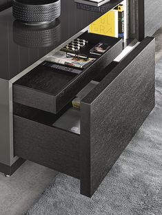 Contemporary sideboard / wooden / lacquered wood / by Rodolfo Dordoni - CONNORS - Minotti Furniture Styles, Furniture Design, Bedroom Furniture, Home Furniture, Minotti Furniture, Low Sideboard, Room Interior, Interior Design, Muebles Living