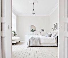 """White on white on white. ☁️☁️☁️ Soooo dreamy via @bjurfors_goteborg ✔️ #happyfriday"""