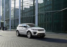 Land Rover has revealed images of the new crossover Range Rover Evoque, which world debut will take place in March at the Geneva auto show. Range Rover White, The New Range Rover, Range Rovers, Range Rover Evoque Price, Nouveau Range Rover Evoque, Landrover, Geneva Motor Show, S Car, Led