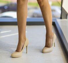 Pumps, Heels, Beautiful Women, Boots, Woman, Fashion, Choux Pastry, Good Looking Women, Crotch Boots