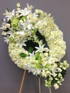 Flower Wreath Funeral, Funeral Flowers, Funeral Floral Arrangements, Flower Arrangements, Angel Wings Decor, Corona Floral, Sympathy Flowers, Sprays, Centerpieces