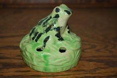 BRUSH-McCOY Pottery FROG Flower Frog circa 1916 Cute (06/04/2011)