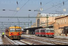 Hungary, Train, Vehicles, Train Stations, Car, Strollers, Vehicle, Tools