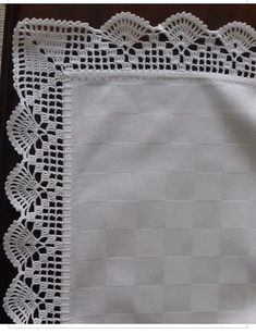 Crochet Border Patterns, Filet Crochet, Credenza, Machine Embroidery Designs, Diy And Crafts, Handmade, Doilies Crafts, Crochet Hammock, Crochet Dishcloths