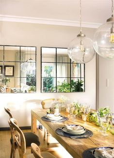 20 Trendy Dining Room Wall Colors to Transform Your Space Dining Room Mirror Wall, Living Room Mirrors, Dining Room Walls, Wall Mirrors, Room Wall Colors, Room Wall Decor, Apartment Interior, Home Decor Inspiration, Sweet Home