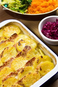 "This Syn Free Bacon, Onion and Potato Bake reminds me of my childhood, where it was affectionately known as ""Tin Of Praters"". Syn Free Bacon, Onion and Potato Bake is ridiculously easy to make. We like an easy dinner, especially if we've had a Slimming World Dinners, Slimming World Recipes Syn Free, Slimming World Diet, Slimming Eats, Slimming Word, Syn Free Food, Sw Meals, Cooking Recipes, Healthy Recipes"