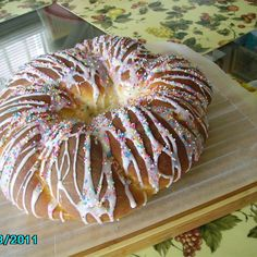 Italian Easter Bread (Anise Flavored) Recipe - Make this anise-flavored eggy Easter bread in the traditional style of Italian bakeries in south Philadelphia. Formed into a twist, and sprinkled with colored nonpareils, it will be a new favorite. Breakfast Bread Recipes, Yeast Bread Recipes, Easter Dinner, Easter Brunch, Easter Pie, Easter Food, Italian Easter Bread, Italian Bakery, Easter Recipes
