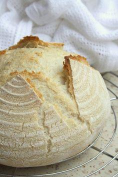 Első gluténmentes kovászos kenyerem.  Édesanyám készítette nekem a kovászt rizslisztből és Nutri free mix per Pane Fibra gluténmentes ken... Bab, Light Recipes, Camembert Cheese, Food To Make, Dairy, Gluten Free, Paleo, Fiber, Skinny Recipes