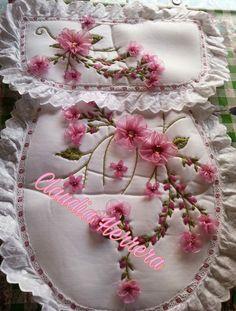 Diy And Crafts, Arts And Crafts, Bathroom Sets, Towel Set, Sewing Tutorials, Embroidery, Cool Stuff, Elsa, Beautiful