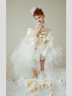 Vestidos para meninas de alianças de Krikor Jabotian. #casamento #vestidos #meninasdasalianças