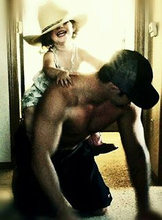 Soo freakin cute!!! and I'm not just talkin bout the kid. ;)