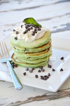mint-chocolate-chip-pancakes 6