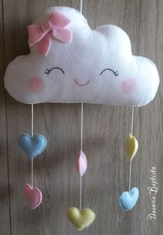 Mobile cloud made of felt with siliconized fiberfill. If you want other colors, please contact us. The period of preparation is 15 working days after receipt of payment. Approximate measures: Cloud: wide x high. Felt Crafts Patterns, Felt Crafts Diy, Felt Diy, Baby Crafts, Sewing Crafts, Sewing Projects, Crafts For Kids, Sewing Toys, Hanging Mobile