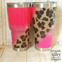 Animal print best friend cups for girls Loose Glitter, Glitter Cups, Diy Tumblers, Custom Tumblers, Dipped Yeti Cups, Tumbler Designs, Cup Design, Monogram Fonts, Tumbler Cups