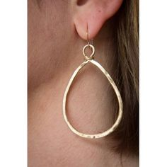 Light weight gold earring