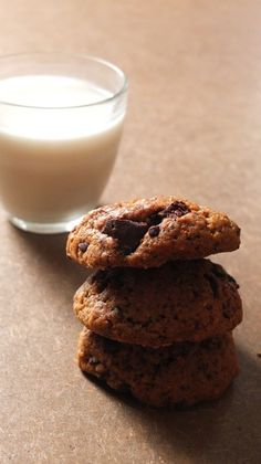 Cookies à l'okara (ajouter un oeuf) Sweet Breakfast, Cookies Et Biscuits, Vegan, Muffins, Food Porn, Food And Drink, Tasty, Snacks, Chocolate