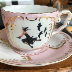 7 or Alice in Wonderland Tea Set, Pink or Green and Gold Tea Set Mini Cafeteria, Outside Tiles, Goth Home, Deco Table, Home And Deco, Cup And Saucer Set, High Tea, Fall Halloween, Afternoon Tea