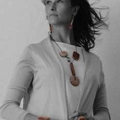 What can be better then fall colors with the vintage touch?  Find our beautiful fall collection NATURA on @inselly  Photo by @sandra.ortizmartinez #ernestodebarcelona #newcollection#collection2016 #fallfashion#woodendesign #woodenjewelry#vintagestyle #ecodesign #recycledfashion#fashionista #trendyjewelry#bijouxfantaisie #коллекция2016#новаяколлекция #красиво #осень#barcelona #sitges #necklace #collaresdemoda #collana#collier #колье