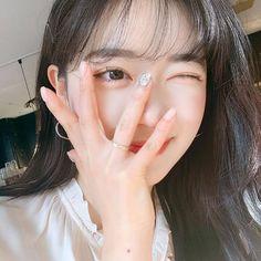 ulzzang girl girls woman women aesthetic korean japanese chinese beauty pretty beautiful lifestyle ethereal beauty girls east asian minimalistic grunge soft pastel light cute adorable 얼짱 여자 r o s i e Ulzzang Korean Girl, Cute Korean Girl, Asian Girl, Korean Makeup, Korean Beauty, Girl Korea, Ethereal Beauty, Cute Girl Face, Girl Inspiration