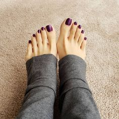 Very nice feet Pretty Toe Nails, Cute Toe Nails, Pretty Toes, Fashion Maman, Long Toenails, Nice Toes, Foot Pics, Foot Pictures, Soft Feet