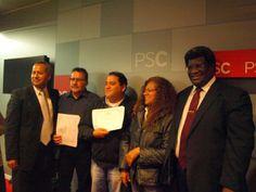Parte del grupo de participantes al seminario taller Técnicas para Manejarse Eficientemente con los Medios de Comunicación en octubre de 2013.